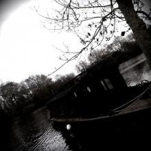 Une gabarre sur rivière